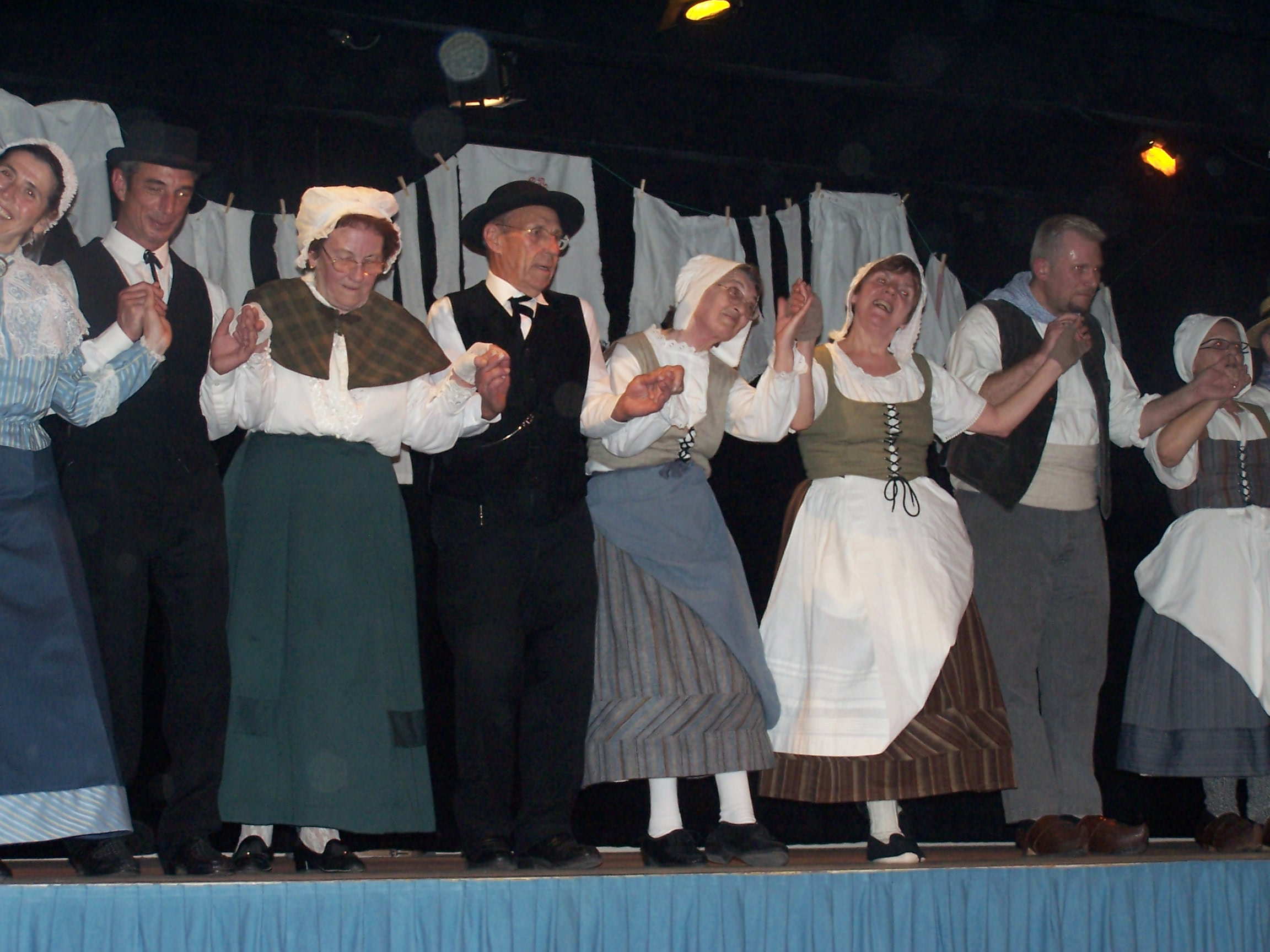 Les Martrêches Tholusiennes Le Thou La Lessive à Surgères Avril 2005